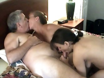 Two amateur sluts are trying to satisfy an...