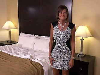 Realtor Does Amateur POV Casting - MILF's...